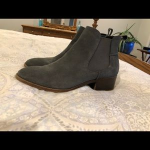 Steve Madden dicey gray grey bootie size 9